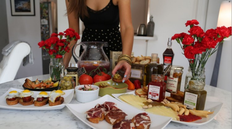 How to throw a Spanish Tapas Party